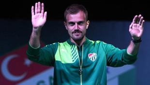 Mert Günok Bursaspor kampından ayrıldı