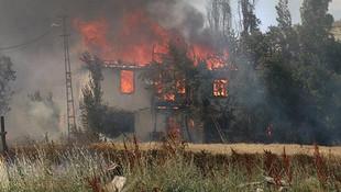 Çankırı'da çıkan yangın 10'dan fazla evi kül etti !