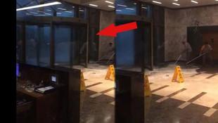 İstanbul'da plazanın döner kapısı böyle kırıldı