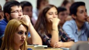 Atama bekleyen öğretmen adayları için beklenen açıklama geldi