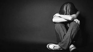 Öğrencisini taciz eden kadın öğretmenin cezası belli oldu