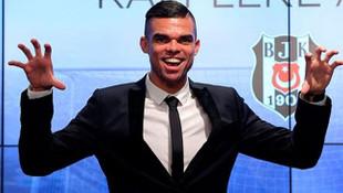 Pepe 11 şartı istedi, PSG transferi yattı