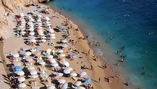 Kaputaş Plajı her gün tıklım tıklım !