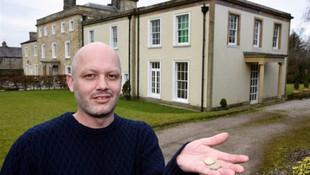 Milyonluk evi 9 liraya sattı !