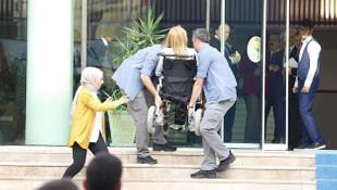 AK Partili Milletvekili Karaburun'u Cumhurbaşkanı korumaları taşıdı