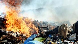 Bodrum'da katı atık depolama alanında yangın çıktı