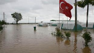 Sağanak yağış Marmara'yı olumsuz etkiledi