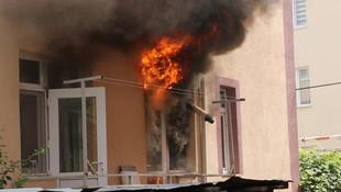 Bomba gibi patladı ! Korkutan yangın