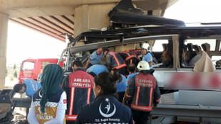 Ankara'da yolcu otobüsü köprüye çarptı: 5 ölü