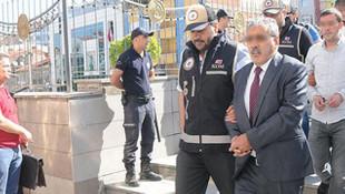 Büyükerşen'e saldıran kişinin 5 büfesi mühürlendi