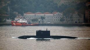 Rus denizaltısı İstanbul Boğazı'nda