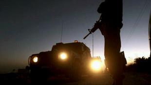 Diyarbakır'da bomba yüklü araçla saldırı ! 1 asker yaralı
