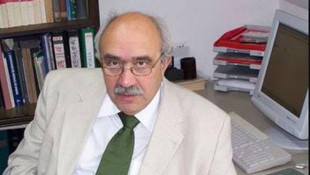 Duayen profesör uçakta hayatını kaybetti
