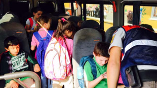 17 kişilik servisten bakın kaç öğrenci çıktı