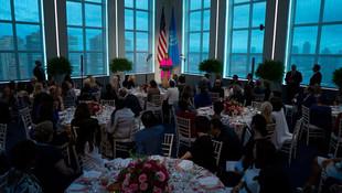 Emine Erdoğan ile Melania Trump aynı masada