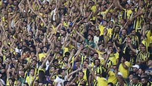 Fenerbahçe tribününde kavga !