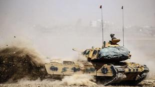 Tanklar Barzani'ye çevrildi