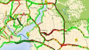İstanbul'da pazartesi kabusu ! Trafik kilit