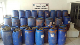 Diyarbakır'da 1 ton 355 kilo esrar ele geçirildi