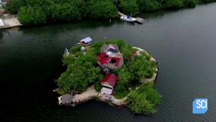 150 bin pet şişe ile yüzen ada yapan adam