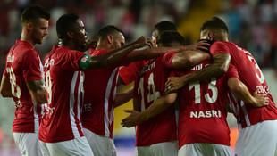 Antalyaspor 3 attı 3 aldı !