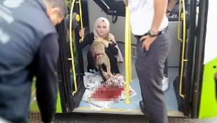 Çarptığı köpeği yetkililere teslim etti