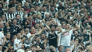 Beşiktaş taraftarı rakibin kulaklarını sağır etti !