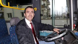 Otobüste rahatsızlanan yolcuyu hastaneye yetiştirdi