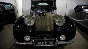 Bağdat'ta Osmanlı Valilerinin kullandığı arabalar korunuyor