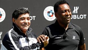 Futbolun efsanesi Pele hastaneye kaldırıldı !
