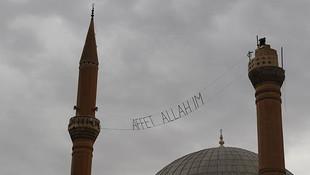 Minarede şaşkına çeviren görüntü