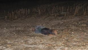 Boş tarlada 2 erkek cesedi bulundu
