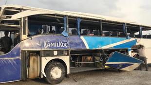 Yolcu otobüsü şarampole devrildi: 7 ölü, 24 yaralı