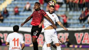 Gençlerbirliği - Adanaspor maçında korkutan sakatlık