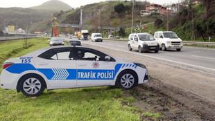 Maket polis aracı işe yaradı