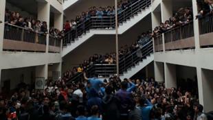 İstanbul'da lisede ''tacizci öğretmen'' rezaleti ! Öğrenciler ayaklandı