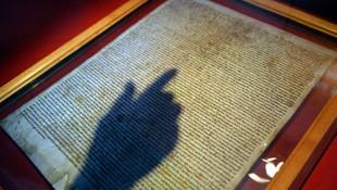 Katedralden orijinal Magna Carta'yı çalma girişimi