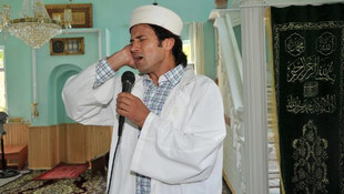 ''Rockçı imam'' meslekten ihraç edildi