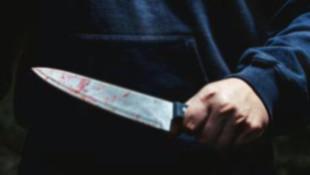 Eşini taciz eden mesai arkadaşlarını bıçakladı