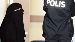 Atatürk'e hakaret eden genç kadın tutuklandı