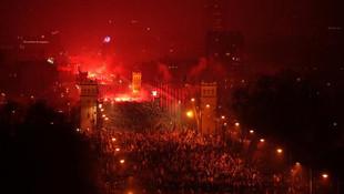 250 bin kişi katıldı... İslam karşıtı slogan attılar