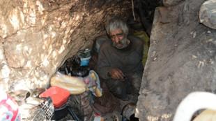 40 yıldır mağarada yaşıyor