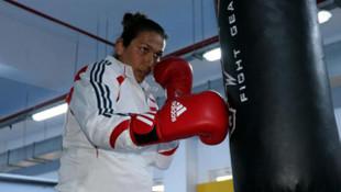 Kadın boksörlerin hedefi en az 4 madalya