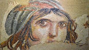 Çingene Kızı mozaiği 26 Kasım'da Türkiye'ye getiriliyor