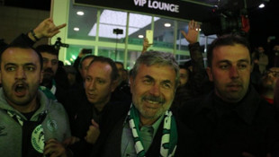 Aykut Kocaman Atiker Konyaspor ile resmi sözleşme imzaladı