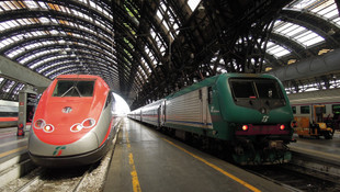 Barcelona'da tren raydan çıktı: 1 ölü, 44 yaralı