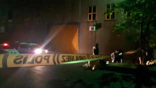 İstanbul'da dehşet gecesi ! Polisleri görünce kafasına sıktı