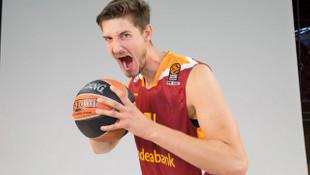 Galatasaray'a, Tibor Pleiss'ın alacaklarını ödemediği için transfer yasağı geldi!