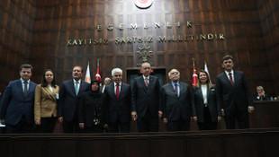 Cumhurbaşkanı Erdoğan'la el sıkışmadı