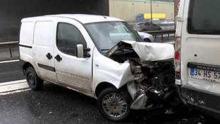 TEM'de zincirleme trafik kazası ! Trafik felç oldu